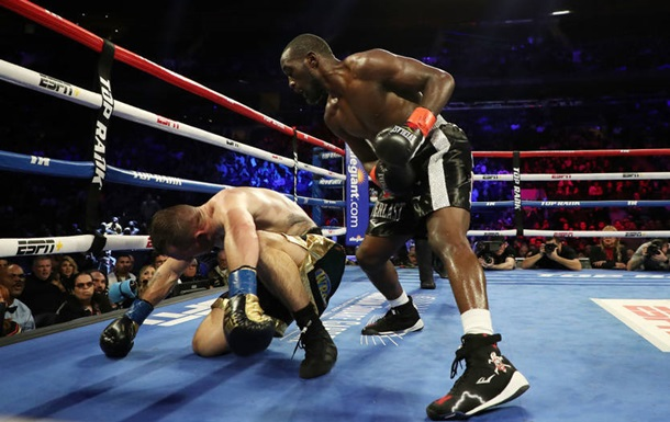Кроуфорд защитил титул в бою против Каваляускаса
