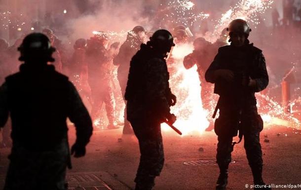 Сутички між демонстрантами та силовиками в Бейруті: десятки постраждалих