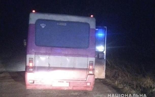 На Тернопольщине из автобуса на ходу выпали подростки