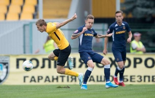 Александрия обыграла Днепр-1 в матче с двумя удалениями и тремя пенальти