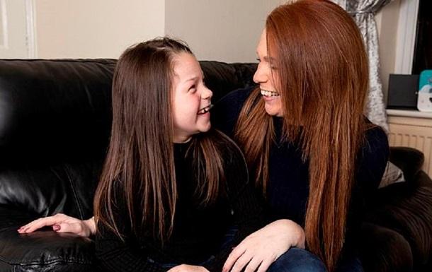 Видео на YouTube помогли 7-летней девочке спасти жизнь матери