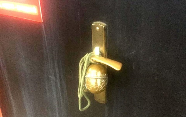 У Рівному бізнесмен знайшов гранату на дверях офісу
