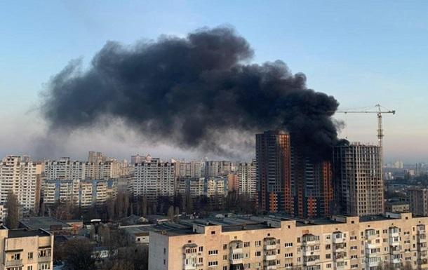 У Києві горіла недобудована висотка