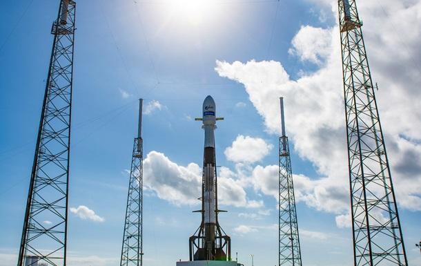 SpaceX успешно запустила ракету со спутником