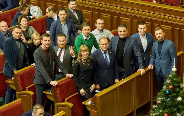 Слуги народу  виступили проти продажу землі іноземцям до референдуму