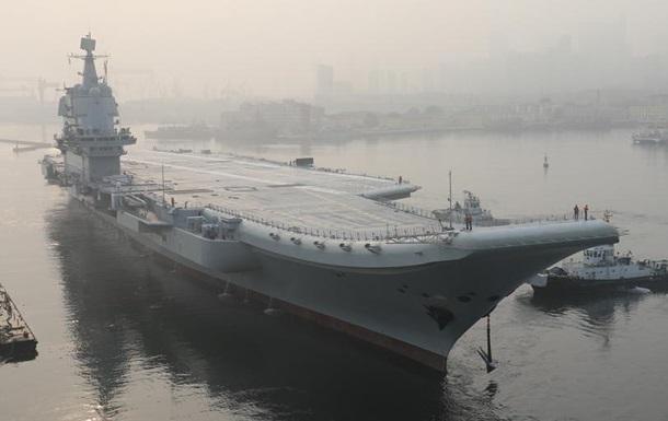 У Китаї взяли на озброєння перший збудований в країні авіаносець