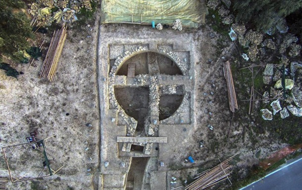 У Греції виявлені 3500-річні царські гробниці