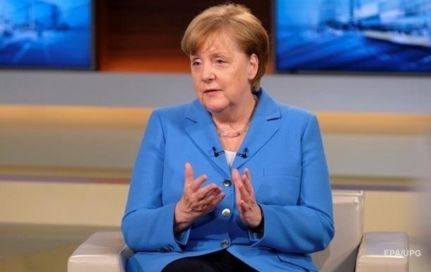 Меркель:  Парижа  недостатньо для скасування санкцій
