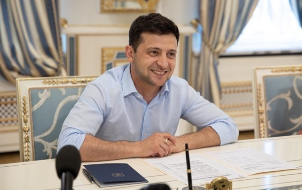 Зеленський продовжив закон про статус Донбасу