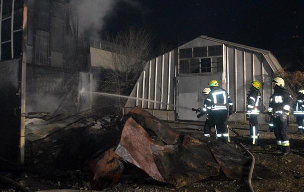 У Дніпрі сталася велика пожежа на складі будматеріалів