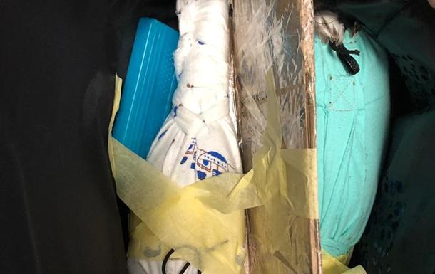 В аэропорту Борисполь задержали мужчину с птицами в сумке