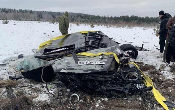 Москвич на спор сбросил свой Mercedes с вертолета