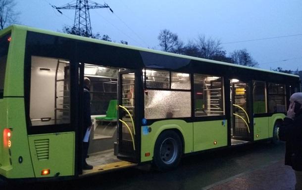 У Львові обстріляли пасажирський автобус