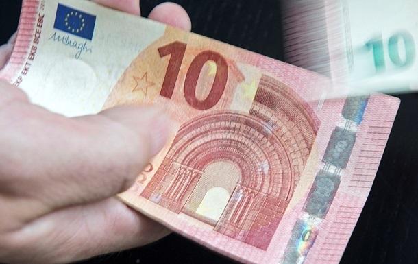 Курс валют: євро прискорив падіння