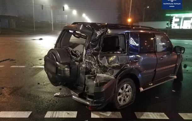 В Киеве за сутки произошло более сотни автоаварий