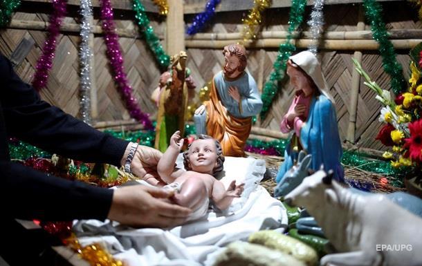 Чверть українців підтримують перенесення Різдва
