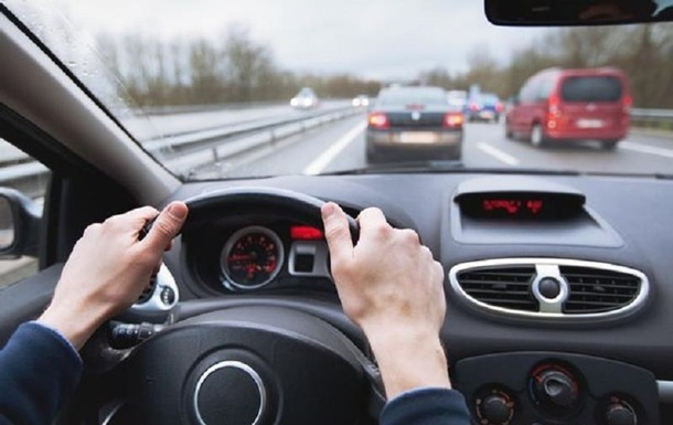 Повільних водіїв назвали причиною смертельних ДТП