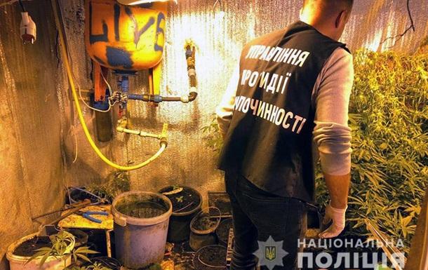 В Хмельницком у  закладчиков  изъяли крупную партию наркотиков