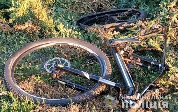 Водитель насмерть сбил велосипедиста и хотел покончить с собой