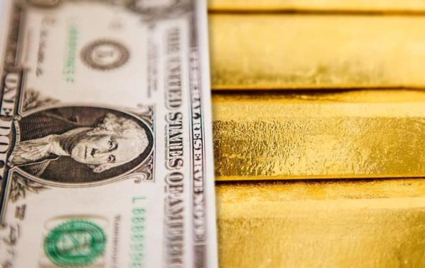 НБУ побив рекорд із купівлі валюти за день