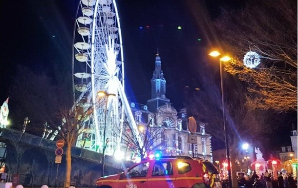 У Франції з оглядового колеса евакуювали 140 осіб