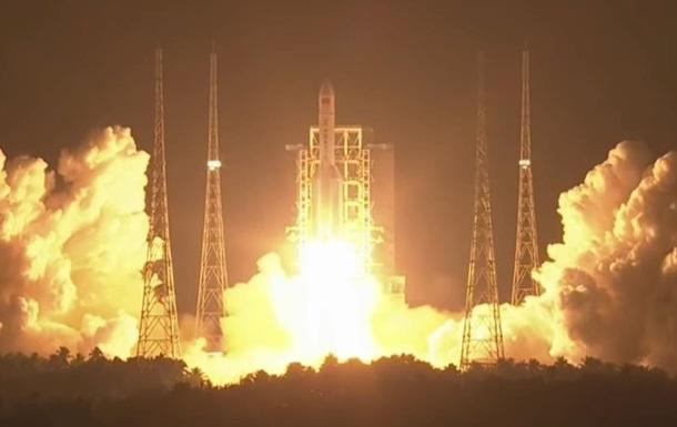 Китай запустив свою найпотужнішу ракету