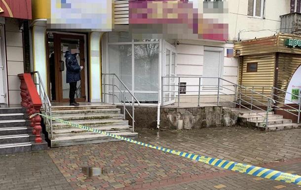 В Луцке мужчина устроил стрельбу на почте