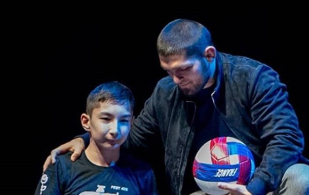 Роналду показав, як зіграв зі своїм сином і хлопчиком без ніг