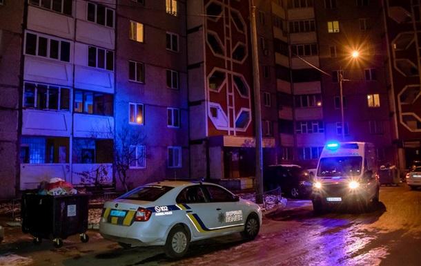 У Києві жінка впала з балкона на 13 поверсі