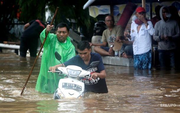 Під час повені в Індонезії загинули понад 20 людей