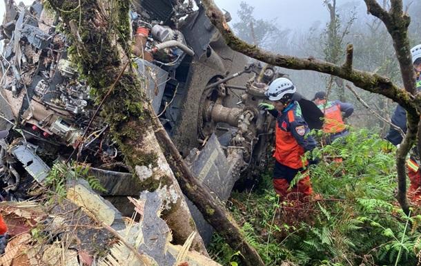 Внаслідок аварійної посадки вертольота загинув глава генштабу Тайваню