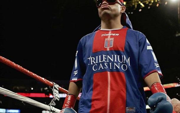 Колишнього чемпіона світу з боксу порізали і пограбували