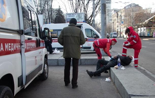 В Днепре подростки до полусмерти избили бездомного