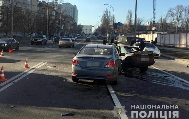 Потрійна ДТП у Києві: є загиблий