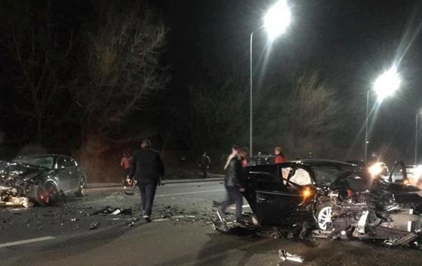 На трасі Київ-Чоп у ДТП загинула 3-річна дитина
