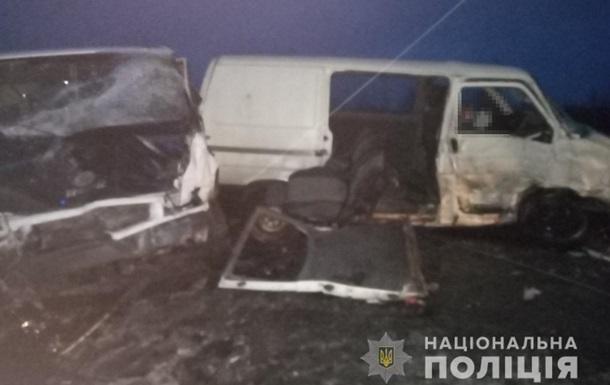 На Волині в ДТП загинули двоє людей, ще п ять постраждали