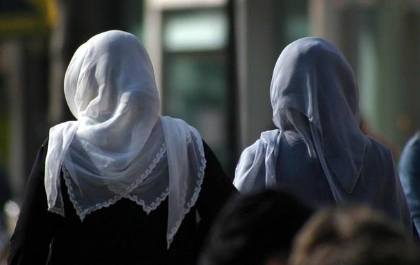 Школяркам до 14 років заборонять носити хіджаб в Австрії