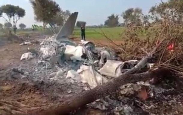 У Пакистані розбився винищувач з двома пілотами