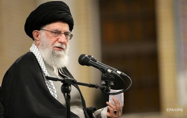 Лидер Ирана назвал  пощечиной  удар по базам США в Ираке