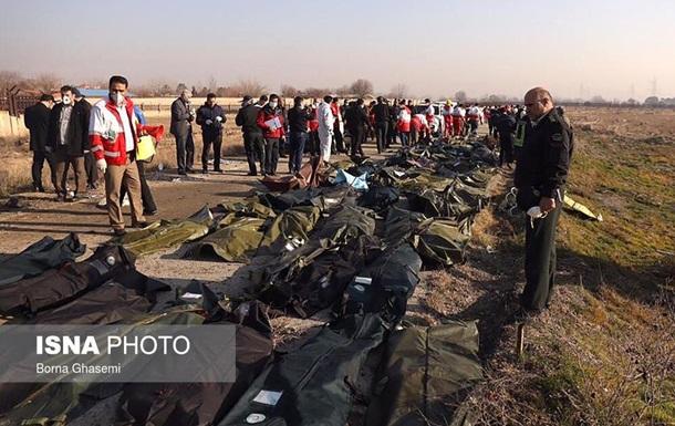 Крушение самолета: появился список пассажиров