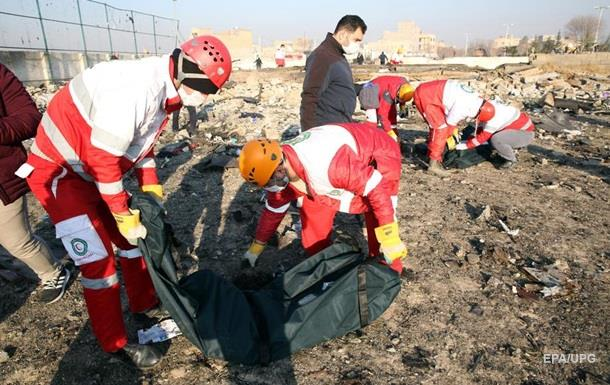 Чорні ящики літака МАУ розшифрують в Ірані