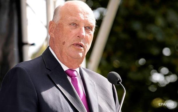 Король Норвегії потрапив до лікарні