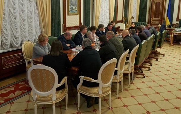 Зеленский собрал совещание по авиакатастрофе в Иране