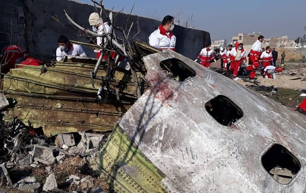 Опубліковано нове відео падіння літака МАУ