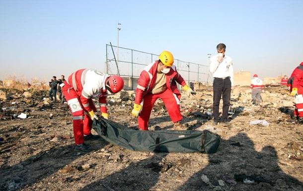 РНБО: Є три  закриті  версії катастрофи літака