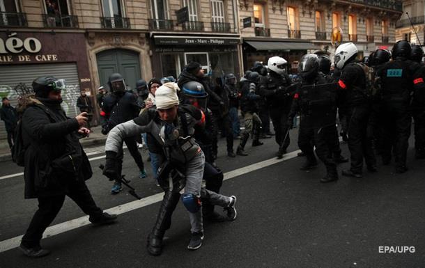 В Париже радикалы устроили беспорядки