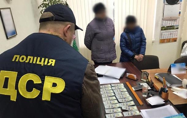 В Херсонской области задержали за взятку главу районной ОТГ