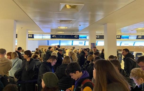 Украинцы застряли на двое суток в итальянском аэропорту