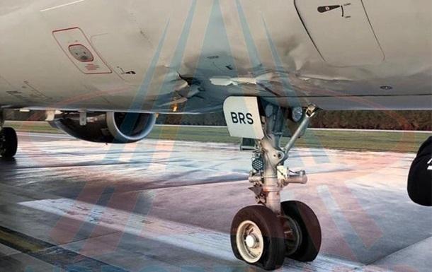 Пассажирский самолет совершил жесткую посадку в Турции