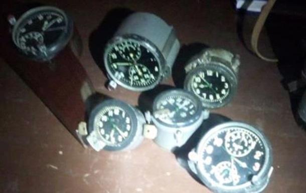 Українець намагався ввезти в Угорщину радіоактивні годинники